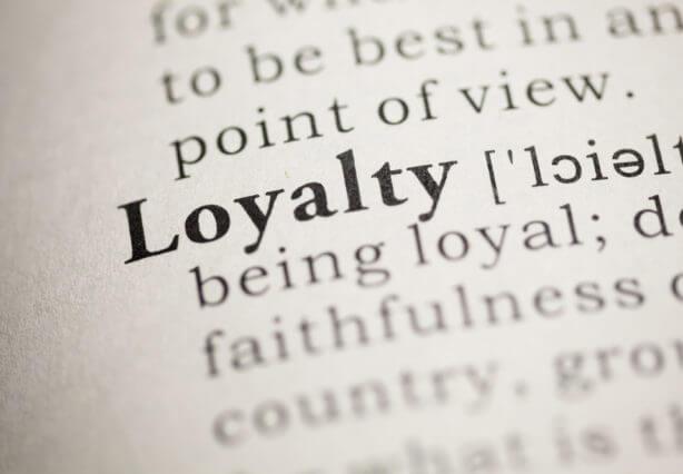 Le mot Loyalty dans un livre