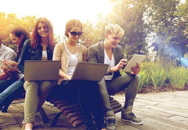 Découvrez comment réussir sa stratégie d'employee advocacy