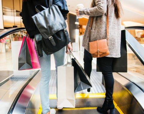 Chiffres sur la consommation physique et online